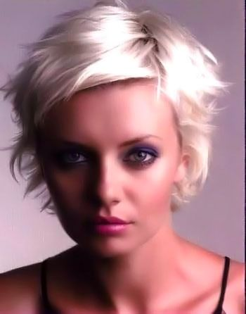 Short blonde hairstyles picture 4.