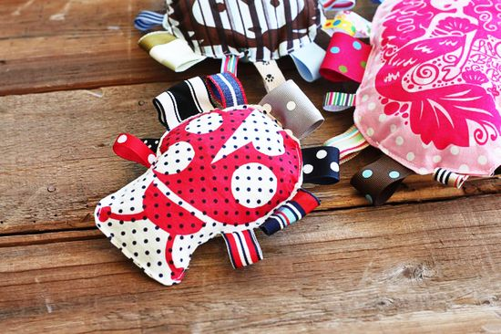 Printed ribbon tag toys