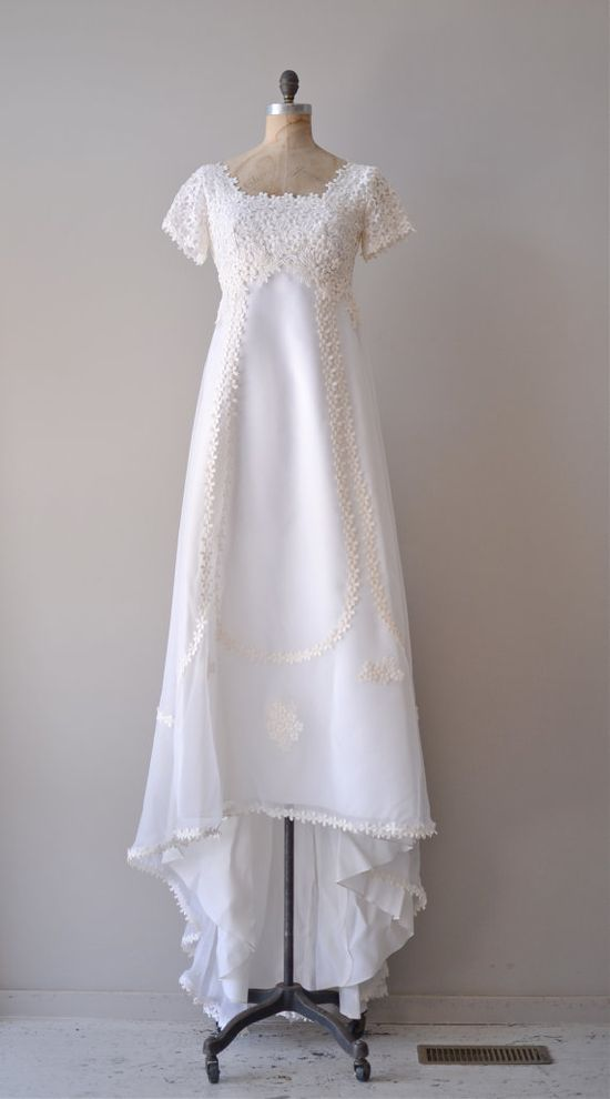 vintage 1960s Thing of Beauty wedding dress