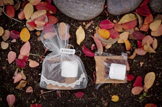 DIY S'mores Wedding Favors on ruffledblog.com