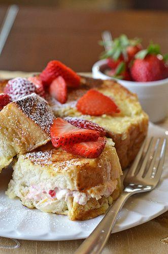 Strawberrry-stuffed French Toast #strawberry #frenchtoast #breakfast #food