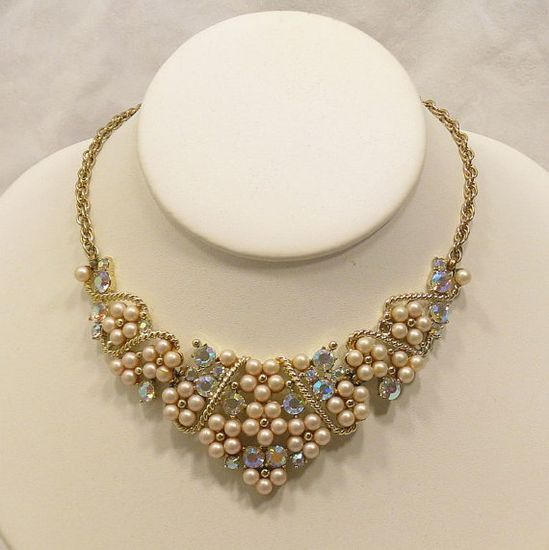 Vintage pearl & rhinestone necklace