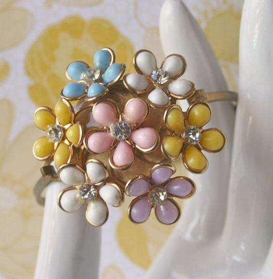 Vintage Corsage Bracelet  Tulsi by bazaarLatino
