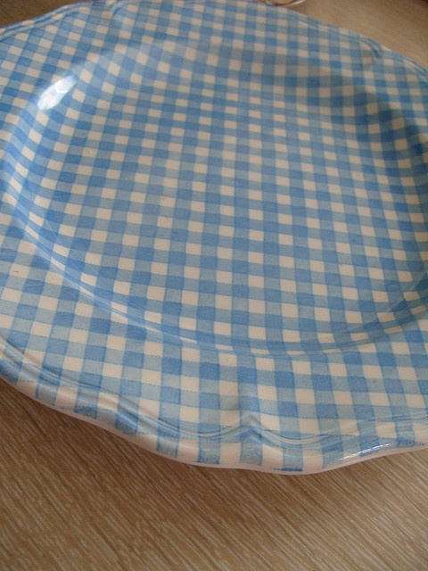 gingham plate