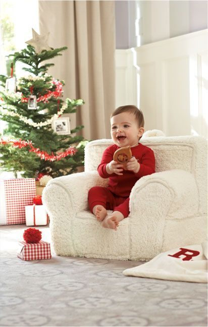 5 Must-Haves for Baby's First Christmas