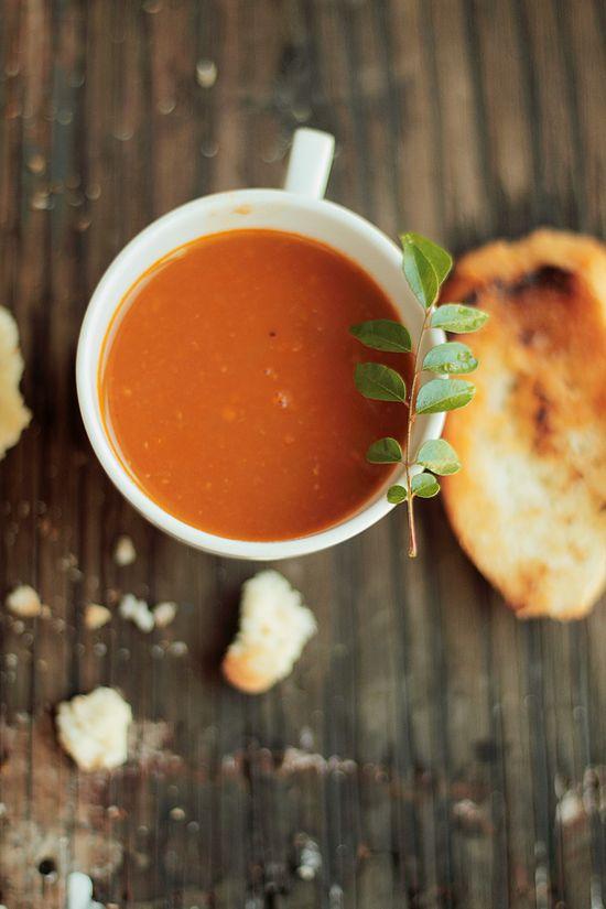 Tomato curry soup
