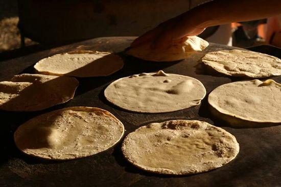 Tortillas de maiz, hechas a mano