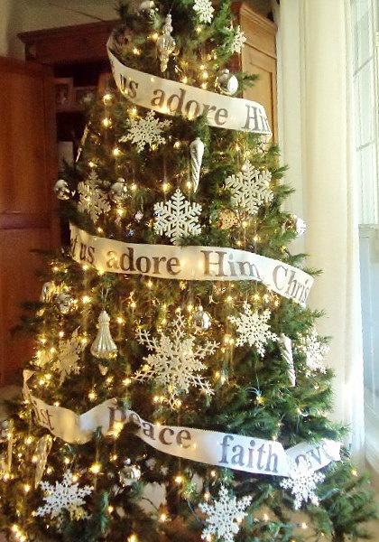 Christmas Tree Garland  6 Yard Roll - O Come let...