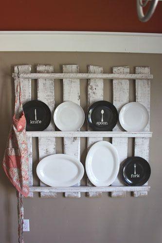 Papaveri al gioco: Display cucina pallet di legno