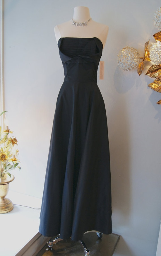 1950s Gown // Vintage 50's Femme Fatale Gown with by xtabayvintage, $248.00