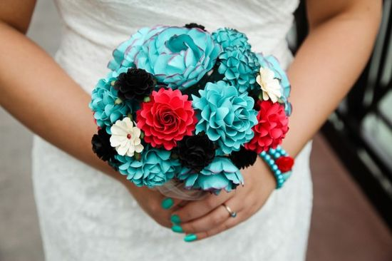 Teal and red bouquet love!