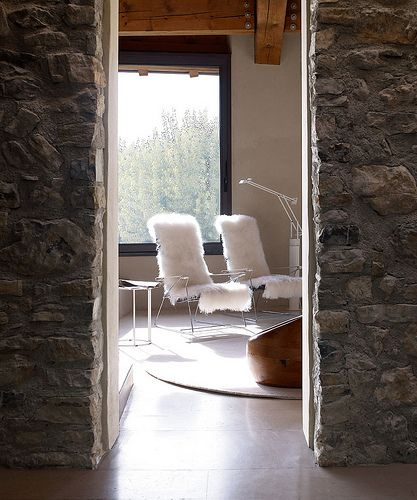 Love the juxtaposition of contemporary with rustic.