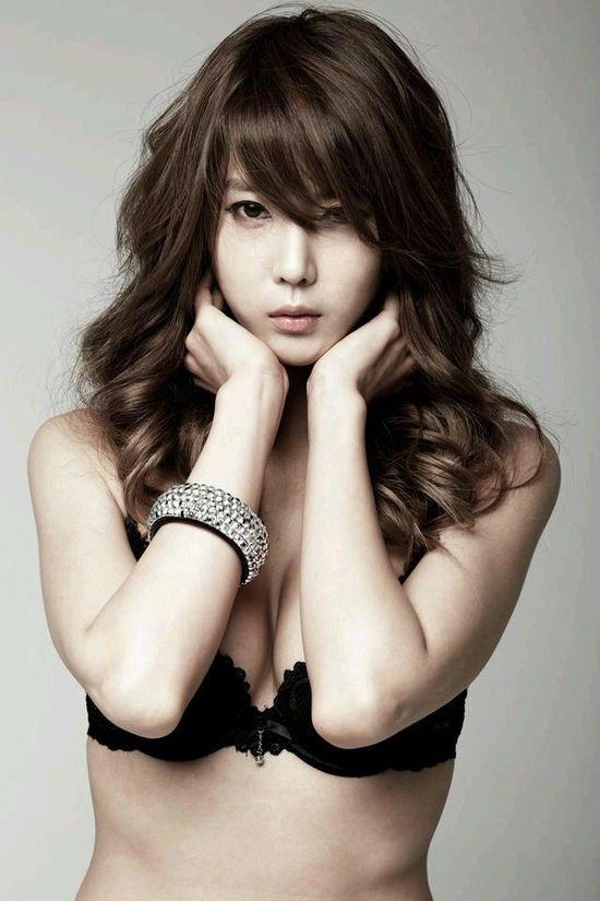 Huh Yoon Mi - Winner of 2013 Asian Model Award (Best Racing Model)