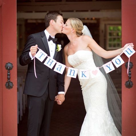 """Thank You"" Wedding Sign, you should do something like this @Shenise Roots Dueck"