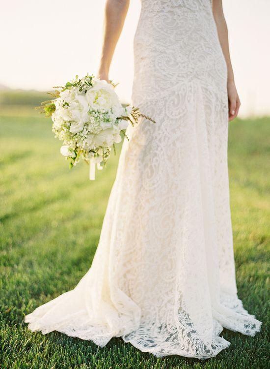 white wedding bouquet // lace wedding dress