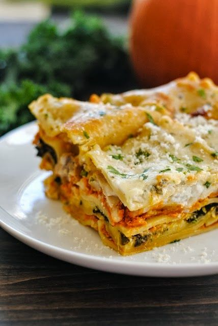 PERFECT for kale day tomorrow!! Pumpkin & Kale Lasagna - A hearty dish filled with fall flavors like pumpkin and sage. Can be vegetarian, or chicken sausage may be added.