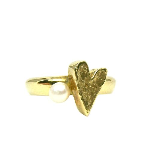 14K Yellow Gold Heart Pearl Love Ring by etsy.com/...