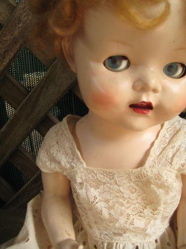 Vintage doll. Vraiment jolie