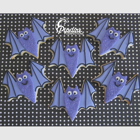 Completely adorable little Purple Bat Halloween Cookies. #bats #cookies #decorated #food #baking #dessert #cute #Halloween Repinned By:#TheCookieCutterCompany