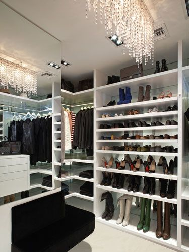 """""""It's a goal of mine to make sure my clients feel like they are shopping in their very own boutique,"""" closet designer Lisa Adams of LA Closet Design says. Design: Lisa Adams"""