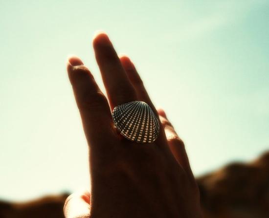 summer {gold, large seashell ring via Etsy}