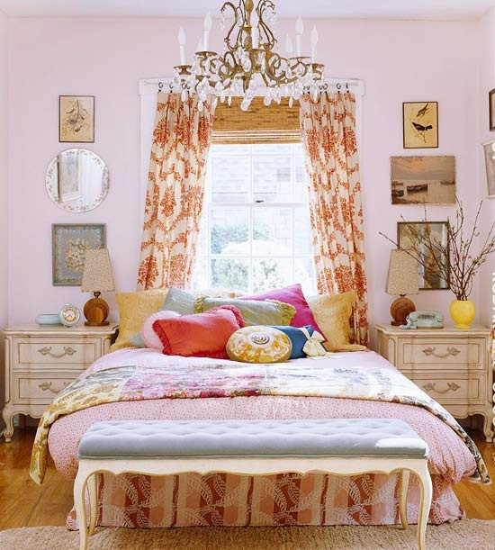 Mod Vintage Life: Romantic Rooms. Not my style at all but I like it.