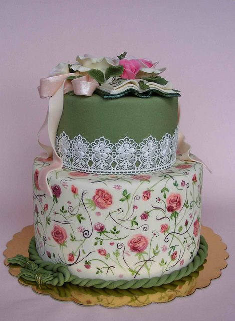 Vintage style cake by bubolinkata, via Flickr ~ LOVE this!