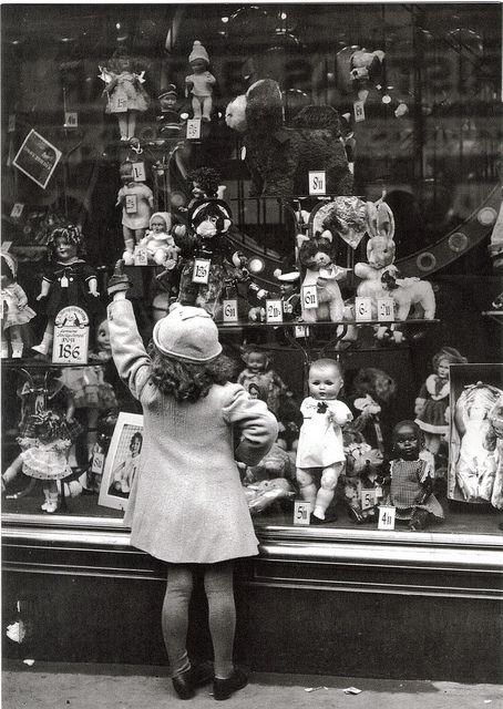 vintage doll shop