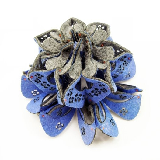 Yu-Ping Lin Textile Jewellery - 2012  - Blueberry Jellyfish Object/ Brooch