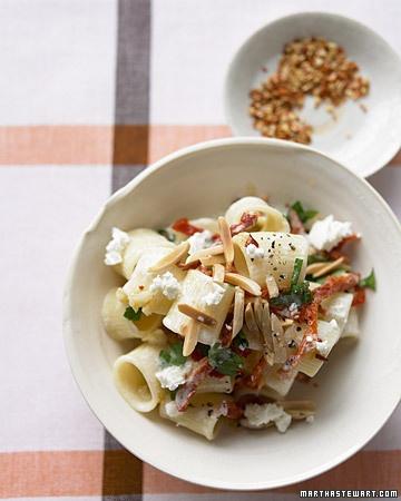 goat cheese and sun-dried tomato pasta via marthastewart.com