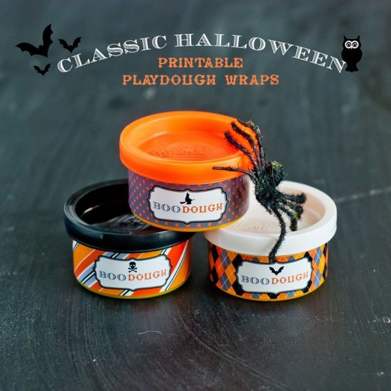 Cheap and Easy (and Impressive!) Halloween Favors or for Trick or Treaters - Halloween PLAYDOUGH WRAPPERS!