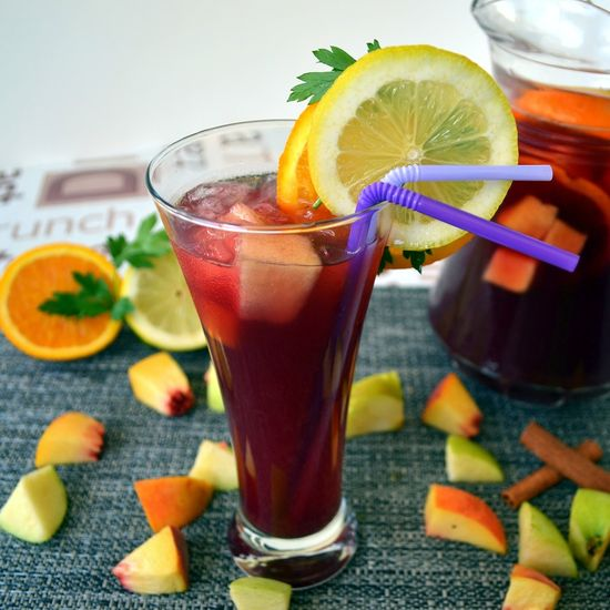 The authentic Sangria recipe from Spain, a refreshing cocktail with red wine and fresh fruits