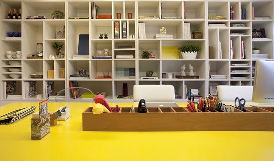 Yellow decoration. #decor #design #office #casadevalentina