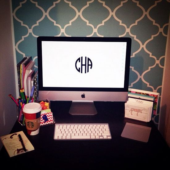 College Prep: DIY Monogram Desktop Wallpaper