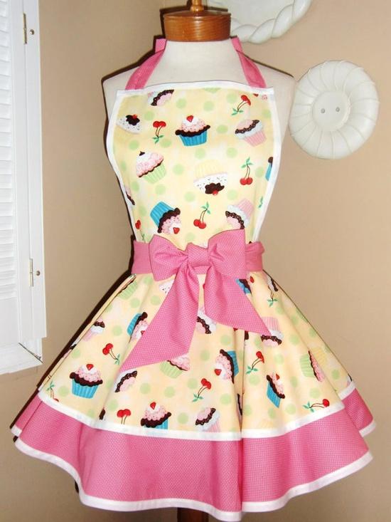Luv Luv Luv this really cute retro apron ... :)