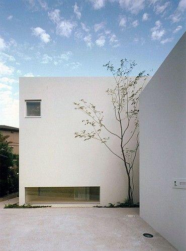 House in Minamikasugaoka by Hiroshi Yoshikawa Architects Design Office