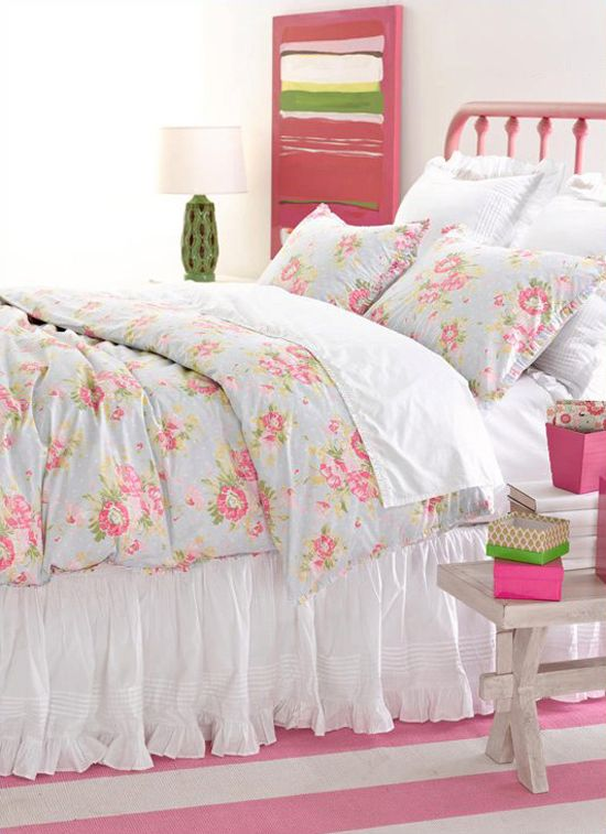 berks lil girl bed and bedding? some friends have this bedding and its SOO cute.