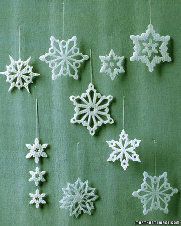 Как сделать зимние снежинки из бумаги