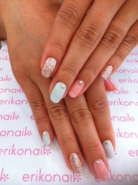 #nail #design #glitter #pastels