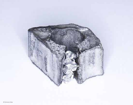 anillo de hormigón armado diseñado por Fernando Menis    Menis concrete ring