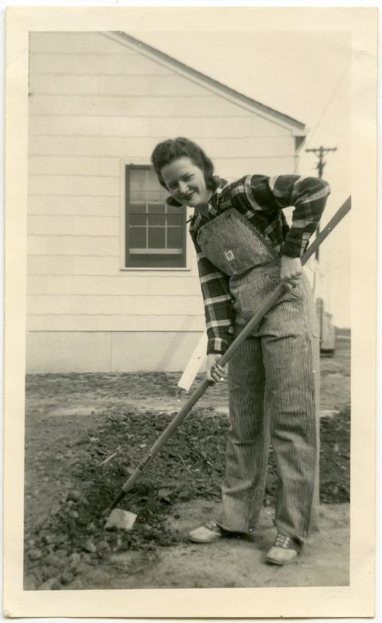 A vintage gardening gal in overalls and plaid. #vintage #1940s #fashion