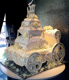 Design Wedding Cakes and Toppers: Winter Fantasy Wedding Cake