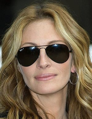 Julia Roberts #Celebrity #NeverHide #RayBan #RealStyle #Glasses #Sunglasses #Shades