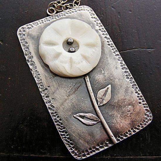 pretty flower pendant