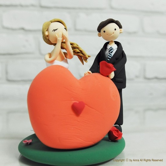 Custom wedding cake topper, Decoration, Gift - Cute couple with heart