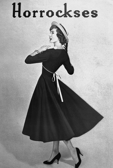 Such a timelessly lovely circle skirted dress from the early 50s. #vintage #1950s #fashion #dress #hat #ad