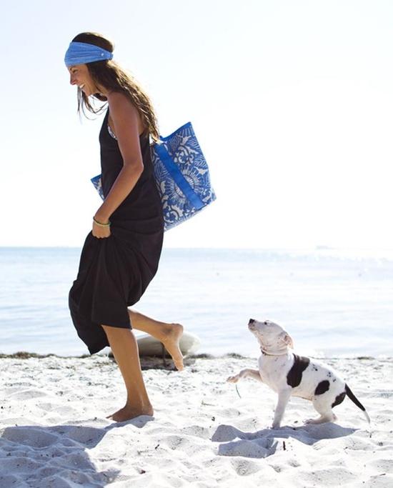lululemon beach bag