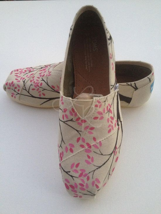 Hand painted TOMS shoes on Etsy.