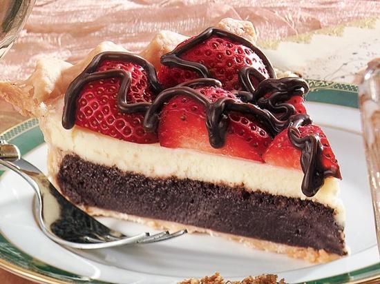 Strawberry Fudge Pie***