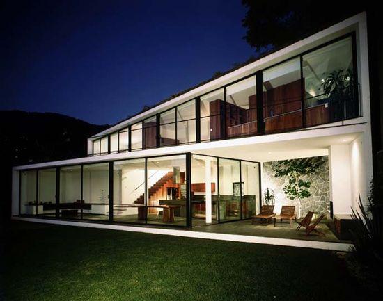 Zigzag Modern House Design: Casa Diaz by PRODUCTORA